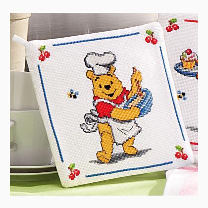 Poignee Cuisine Winnie L Ourson En Cuisine De Vervaco Pour La