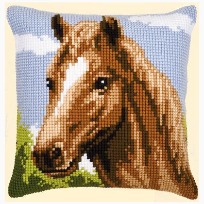 coussin cheval de vervaco coussins kit au point de croix kits casa cenina. Black Bedroom Furniture Sets. Home Design Ideas