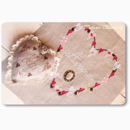 Coeur d 39 amour de madame chantilly grilles point de croix grilles point de croix casa cenina - Ceour d amour ...