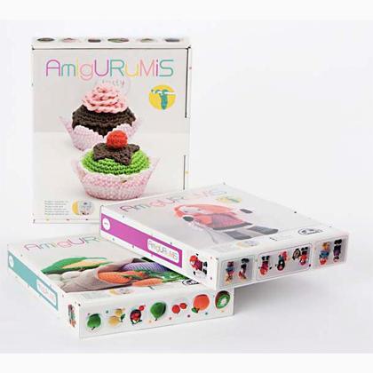 Kit Iniciacion Amigurumi Dmc : Kit Amigurumi - Les G?teaux de DMC - Crochet - Kit au ...