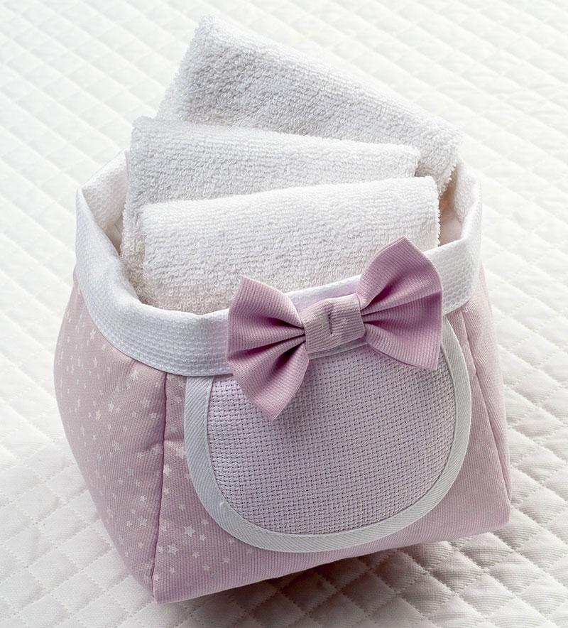 panier porte serviettes rose de filet enfants supports broder casa cenina. Black Bedroom Furniture Sets. Home Design Ideas